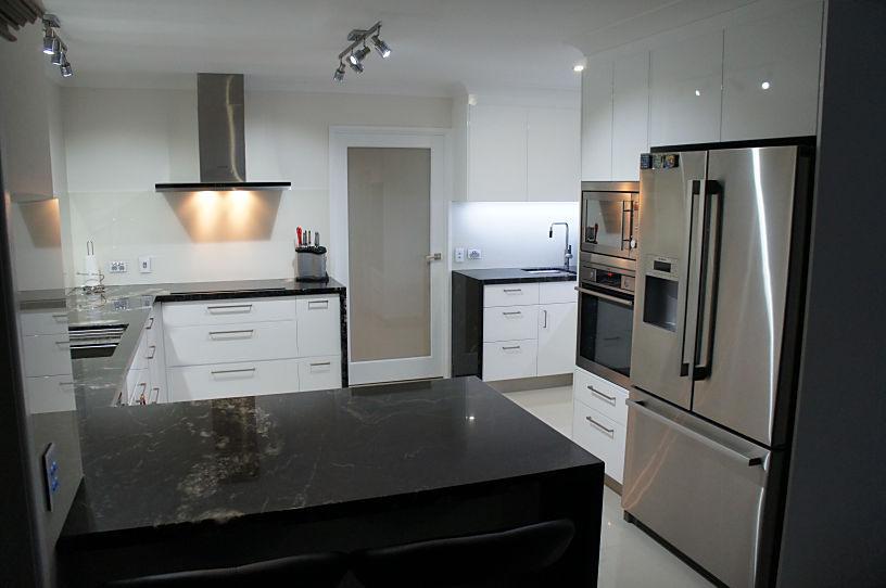 2 Pack Polyurethane Gloss Finish Kitchen Design Brisbane