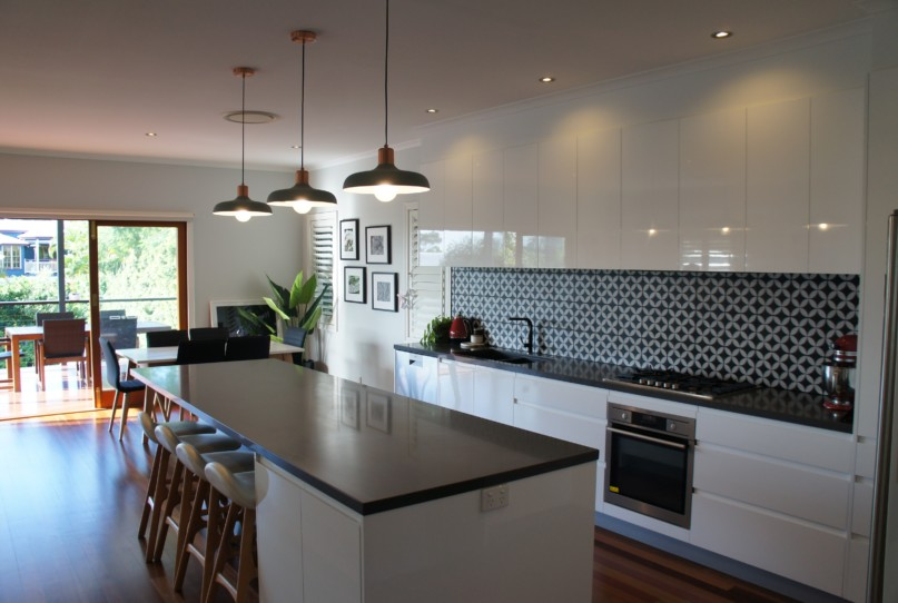 Handle-less 2 Pack Polyurethane Gloss Finish Kitchen Design Brisbane