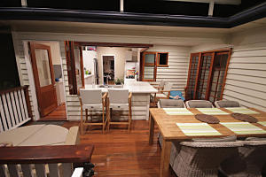 Brisbane Kitchens-Entertainers Dream Kitchen
