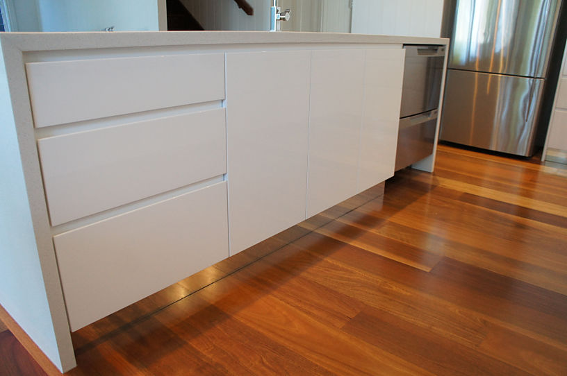 Brisbane Kitchens-Handle-less 2 Pac Polyurethane