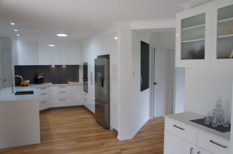 Kitchen with Matching Buffett Unit - Kitchens Brisbane